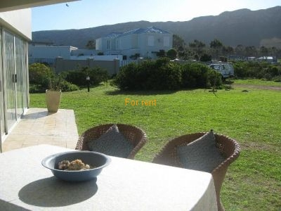 Patio overlooking Fynbos and Golfcourse