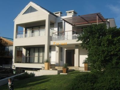 Modern Holiday home with seaviews near beach and lagoon in quiet street